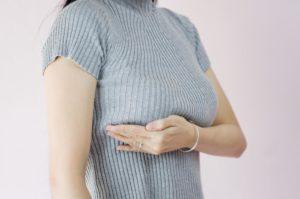 Почему болят соски у женщин - причины и профилактика