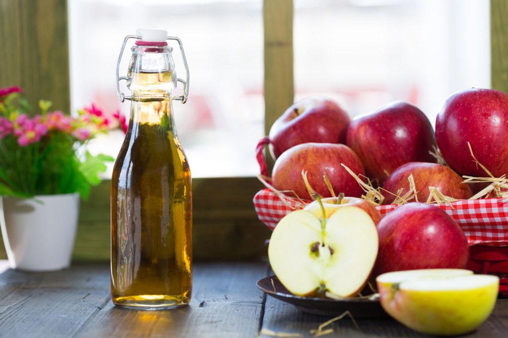 11 полезных для здоровья свойств яблочного уксуса