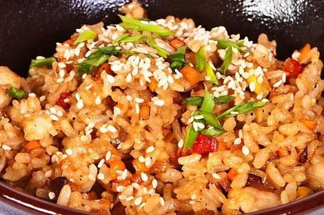 вегетарианский темпе с рисом