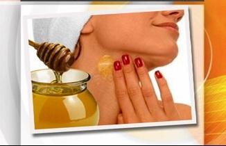 медовый массаж отлично сочетается с пощипываниями чтобы убрать второй слой кожи